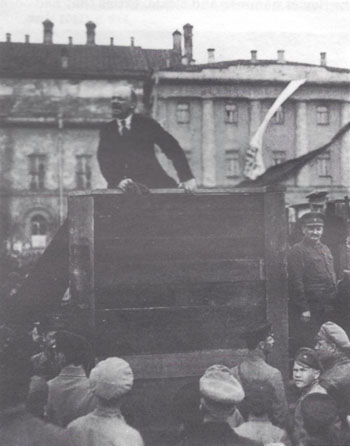 Lenin addresses troops in Moscow, May 1920