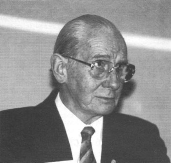 Remer at the Eighth IHR Conference, 1987