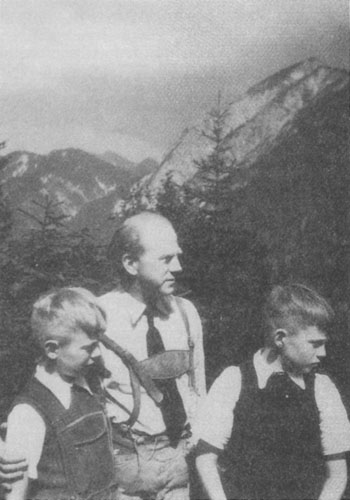 Werner Heisenberg with two of his sons, in the late 1940s