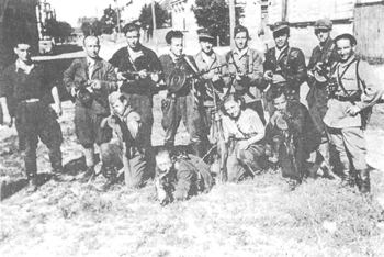 A group of Jewish partisan fighters from the ghetto of Vuna (Vilnius) in Lithuania