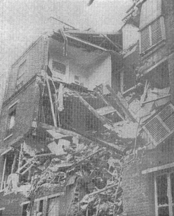 November 1976: explosion ruined building in which Jean·Marie Le Pen lived