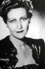 Edith Frolla, aka Adolf Hitler, ad Yad Vashem (actually Magda Goebbels)